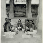 Atharva-Veda XI, 5. Inno al Sole, principio primordiale e discepolo divino.