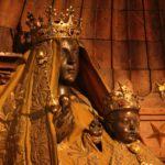La Madonna Nera, statue di Iside e della Vergine paritura. La Benedetta Signora sotterranea.